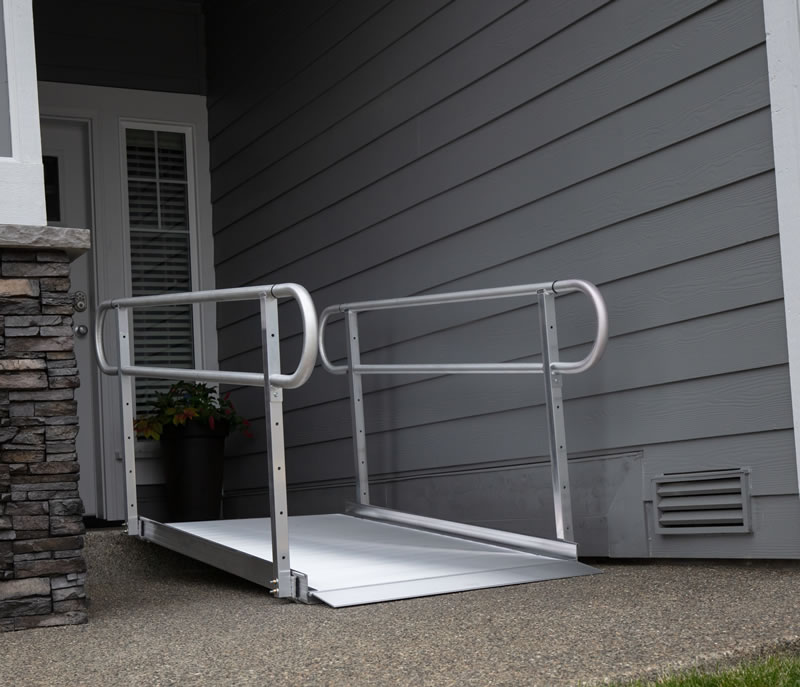 Classic Pathway Ramp with Handrails 8ft